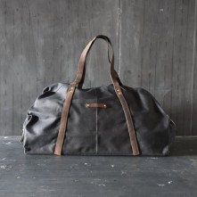 peg-and-awl-weekender-bag-coal-1