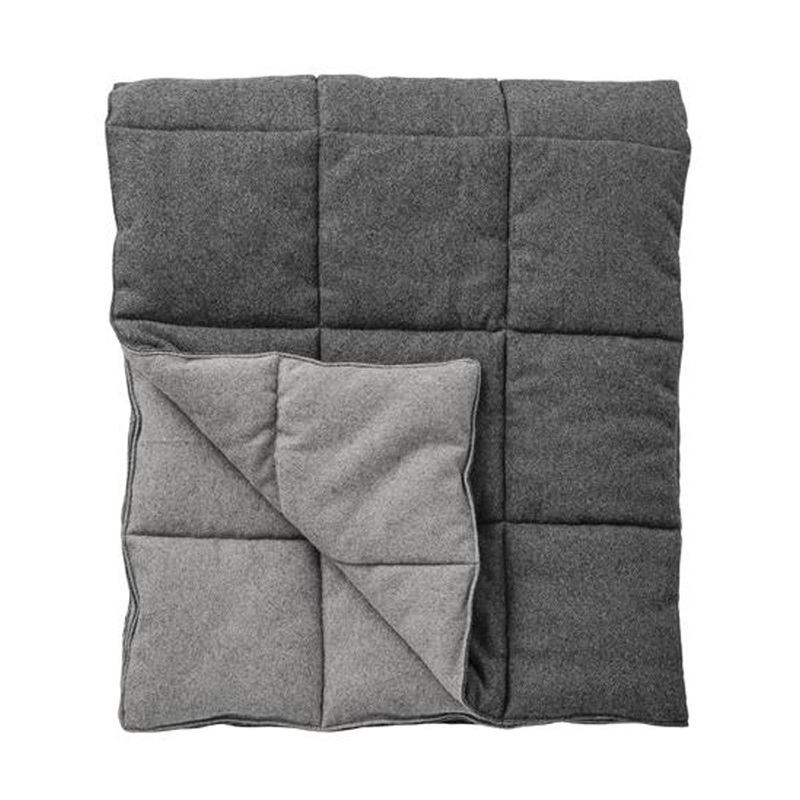 Grey-Woollen-Quilted-Throw